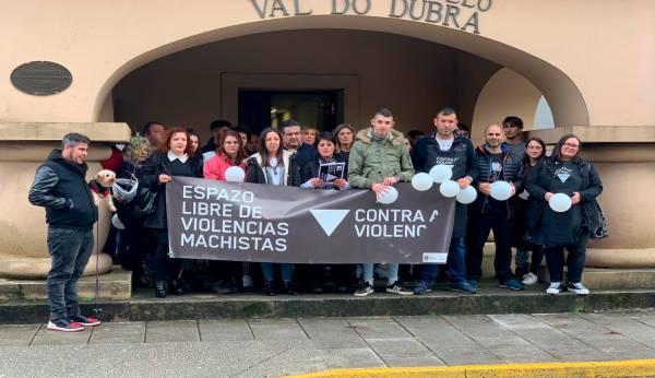 """Val do Dubra súmase á campaña """"De fronte á violencia de xénero"""""""