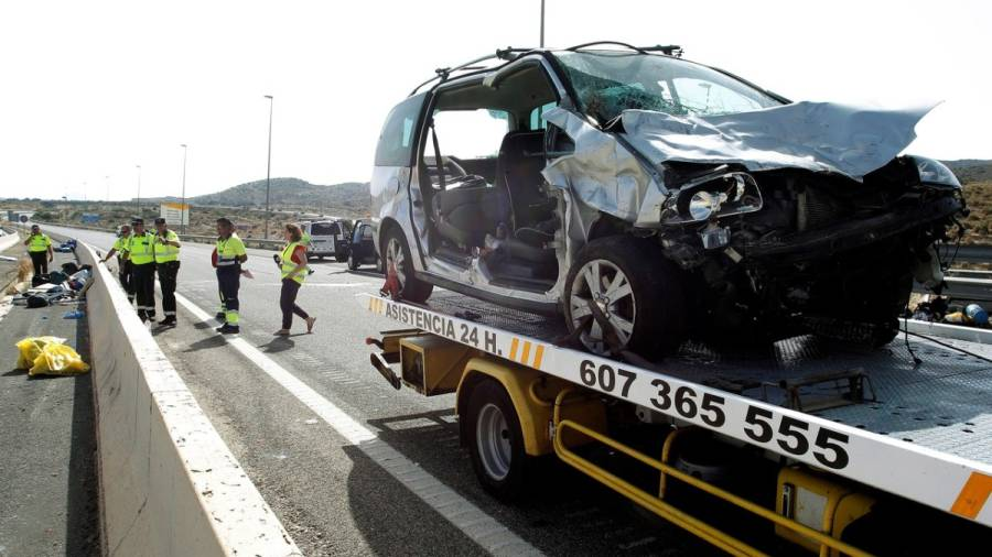 Tres fallecidos y tres heridos en un accidente múltiple en Alicante