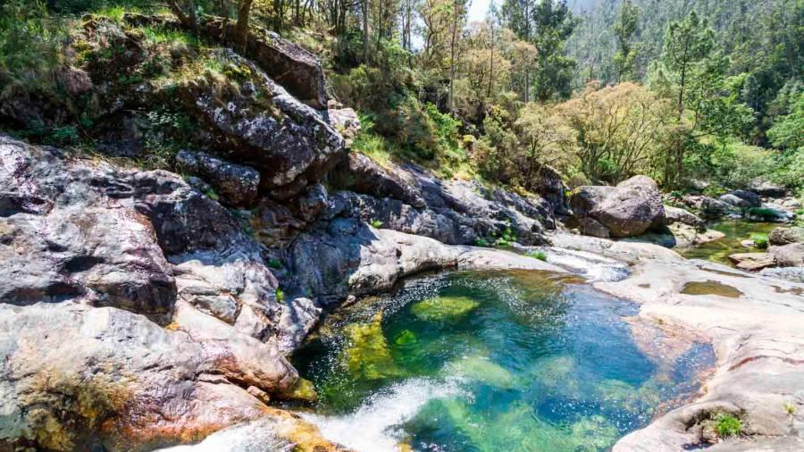A Pobra Cierra El Acceso Para Los Vehículos A Las Piscinas Del Río Pedras