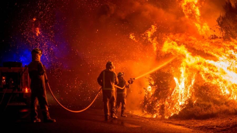 En una madrugada se triplicaron las hectáreas quemadas en Galicia