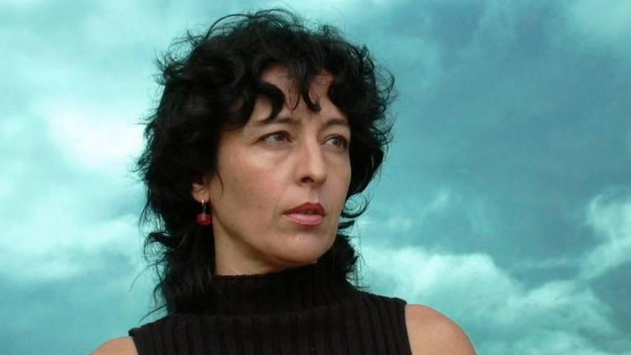 O Pino creará un mosaico de Xela Arias con fotos veciñais