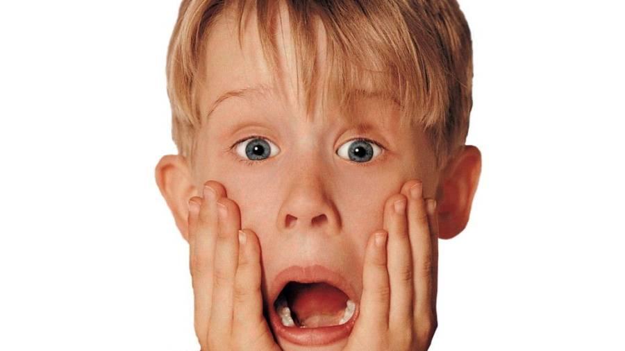 Un estudio muestra que las caras de sorpresa parecen más jóvenes que las de  sonrisa