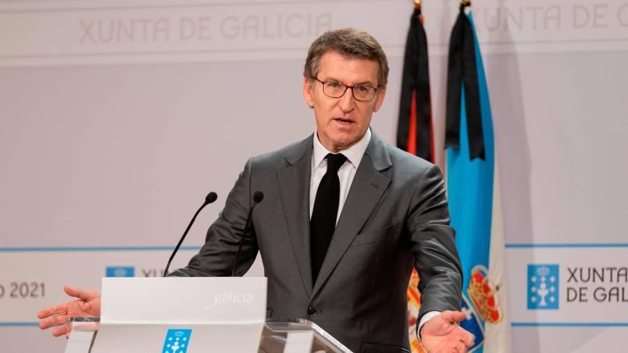 El presidente de la Xunta suaviza las restricciones en el área sanitaria de Pontevedra que pasarán a ser de más de 10 personas en el exterior